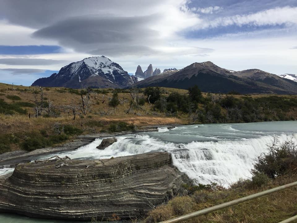Cascada del Rio Paine by Instagram @constanzays