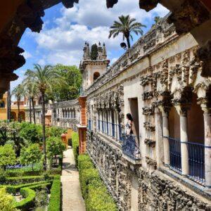 Chica tiene que ver en Sevilla los alcázares