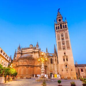 Por qué ver en Sevilla la Giralda.