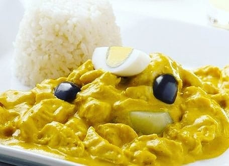 Ají de Gallina peruano. Comida Peruana