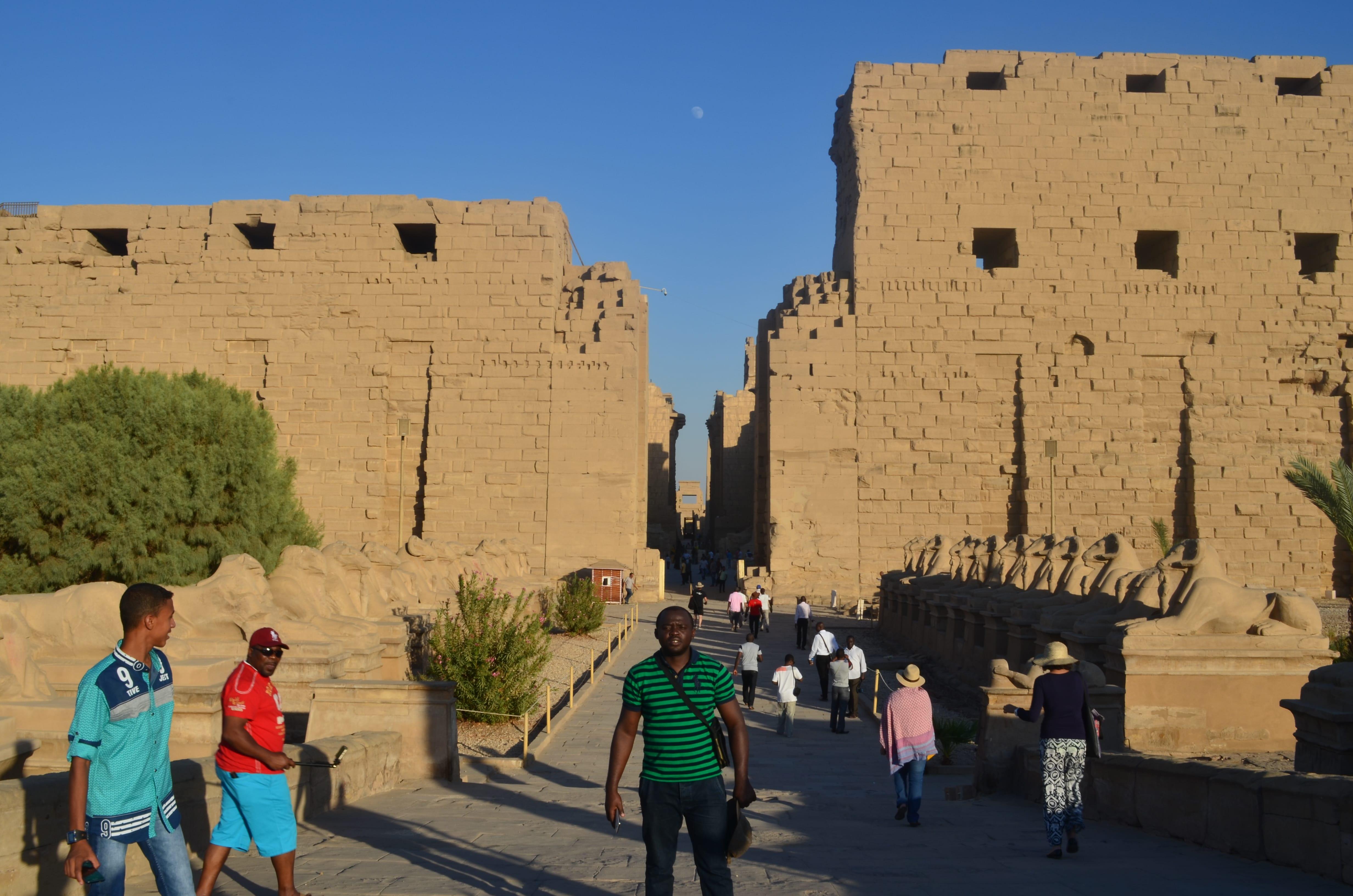 Vista del Templo de Karnak en Egitpo, durante la tarde