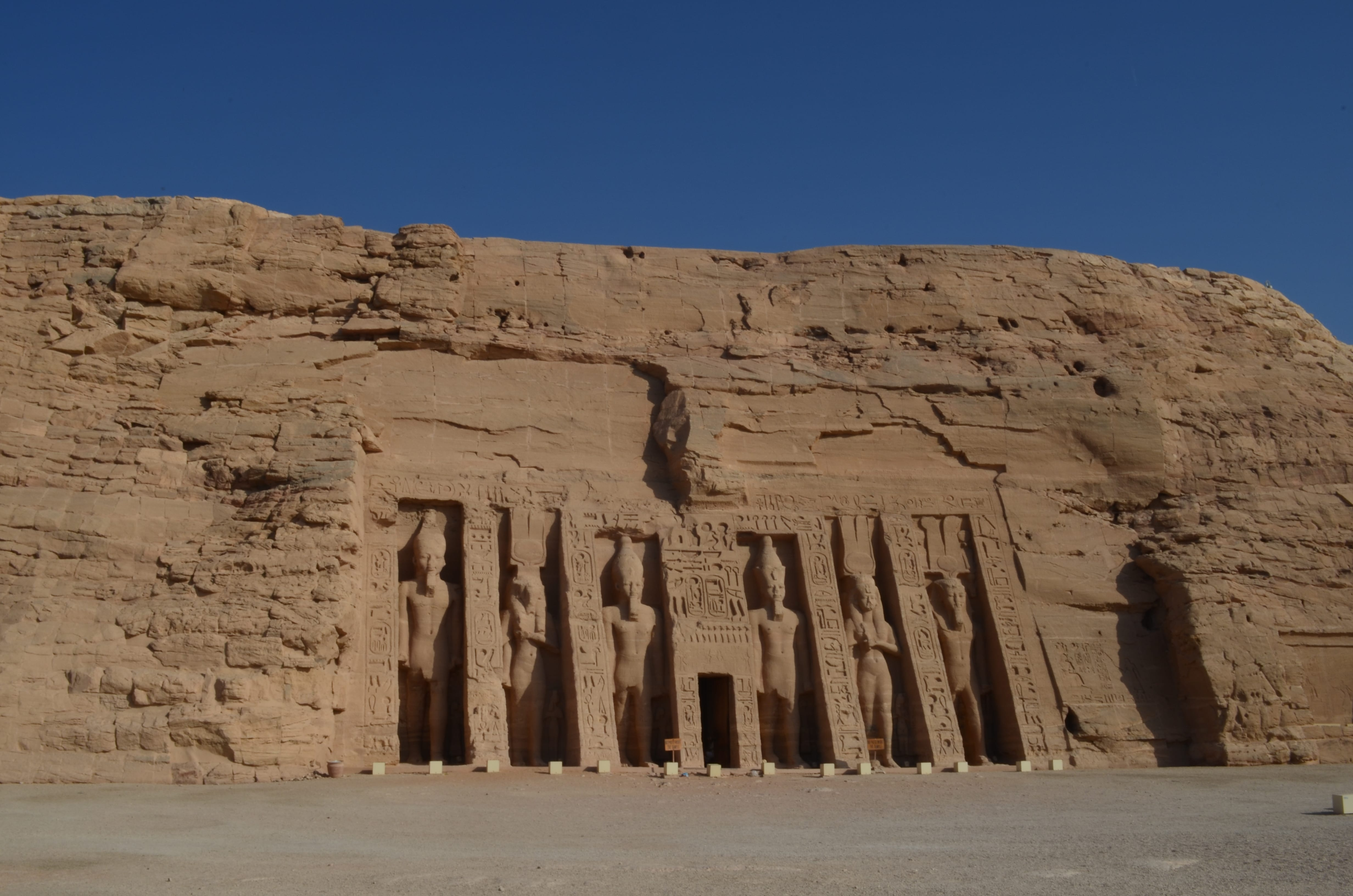 El templo de Nefertari al Sur de Egipto