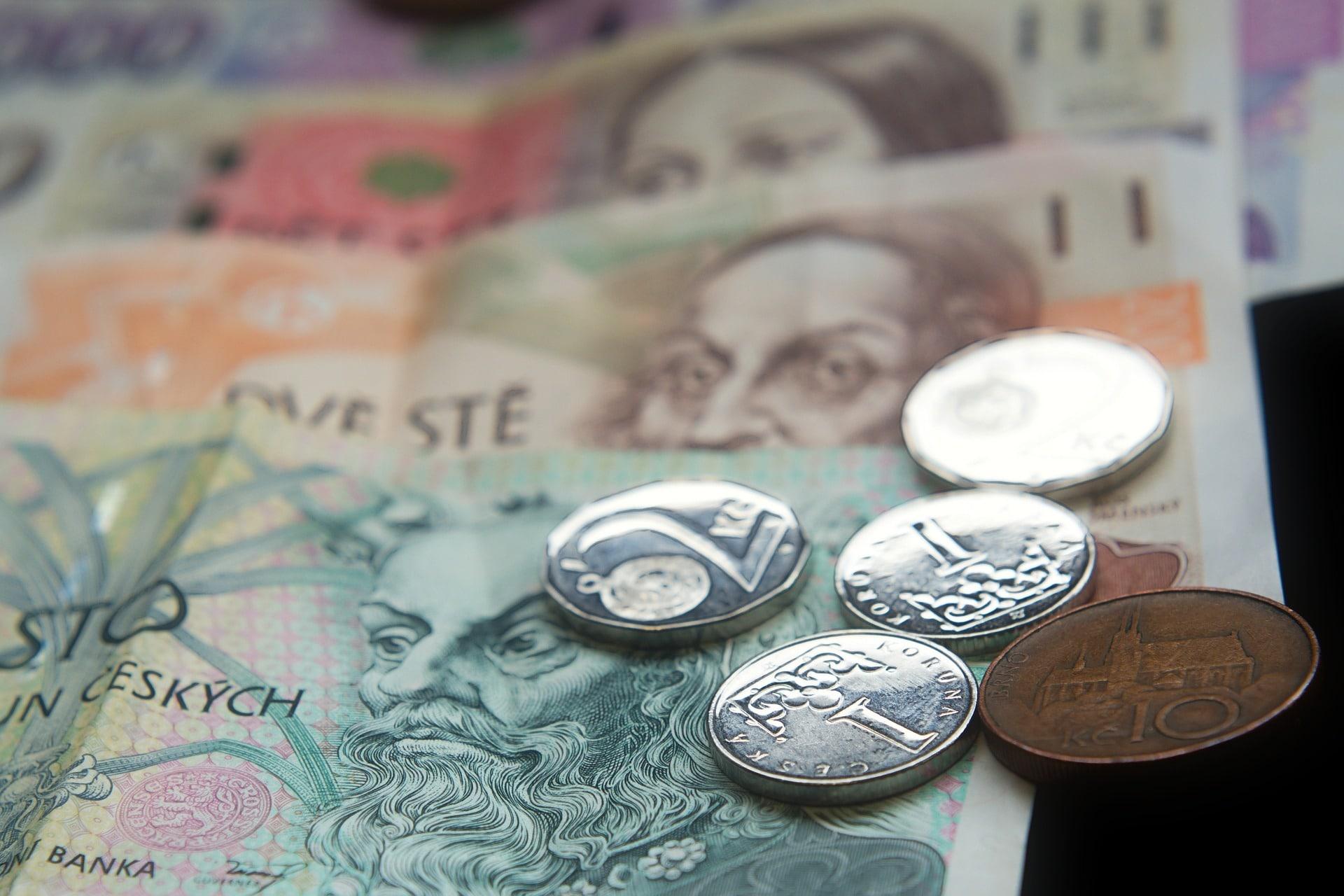 moneda checa
