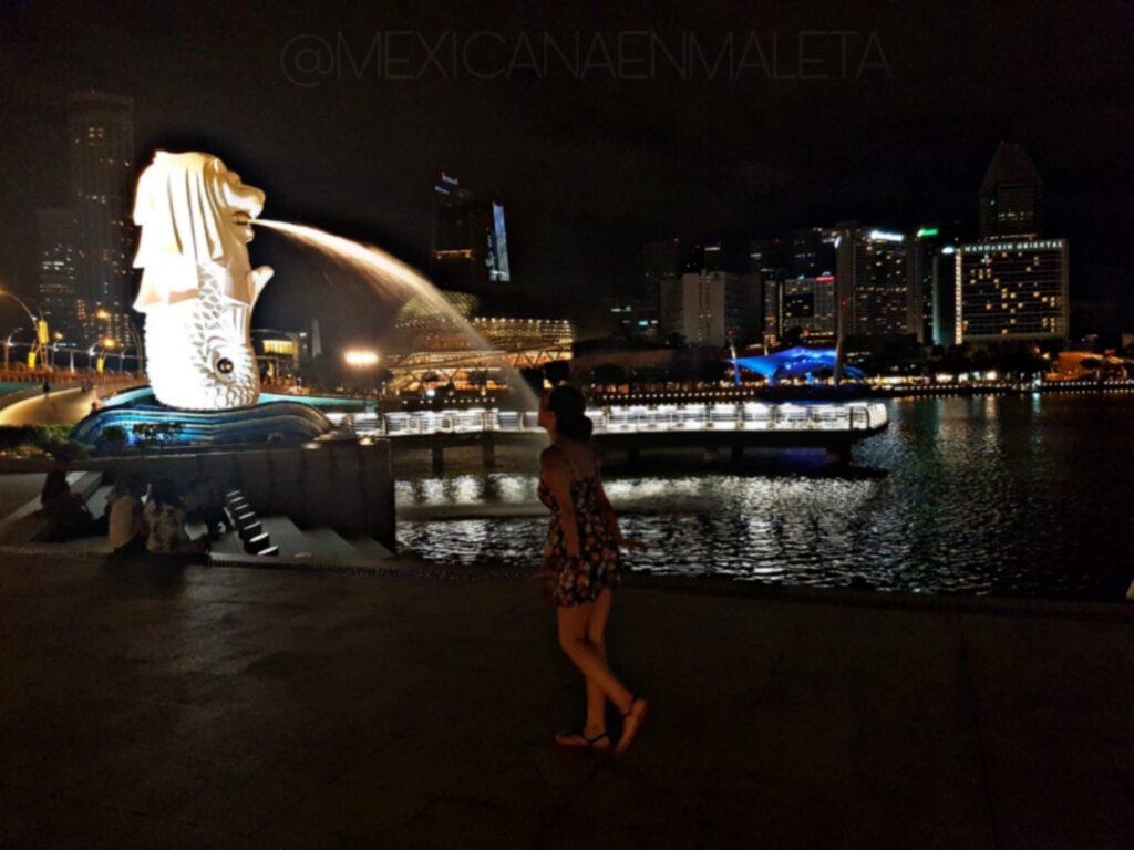 """""""Selfie"""" en Merlion Park, Singapur"""