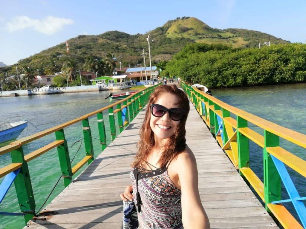 Puente de los enamorados en la Isla Santa Catalina
