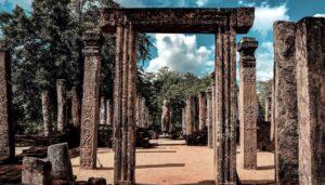 Temlpos de Hatadage y Atadage