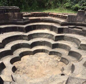 Tivanka House y su piscina en forma de 5 flores de Loto