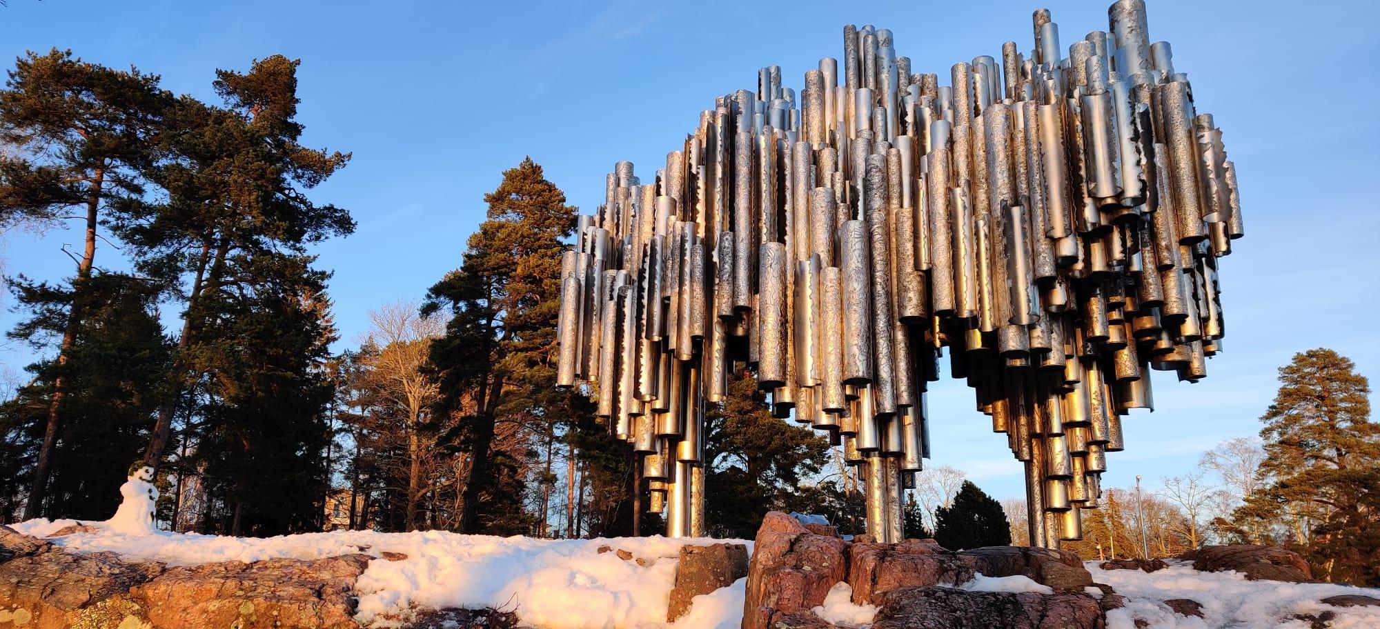 Monumento a Sibelius situado en el parque de Sibelius