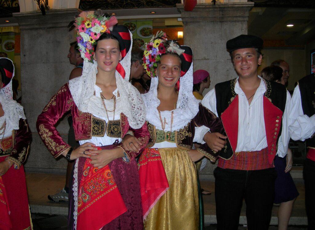 Grecia, tradiciones griegas, trajes típicos de Grecia